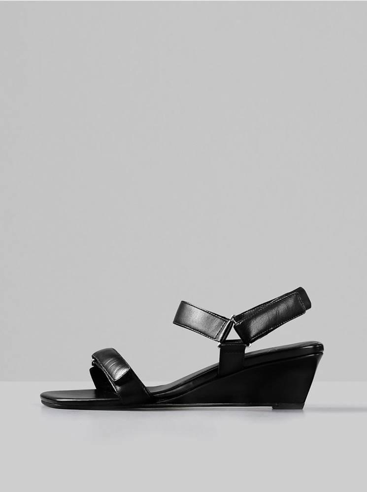Vagabond Čierne kožené sandálky na plnom podpätku Vagabond Nellie