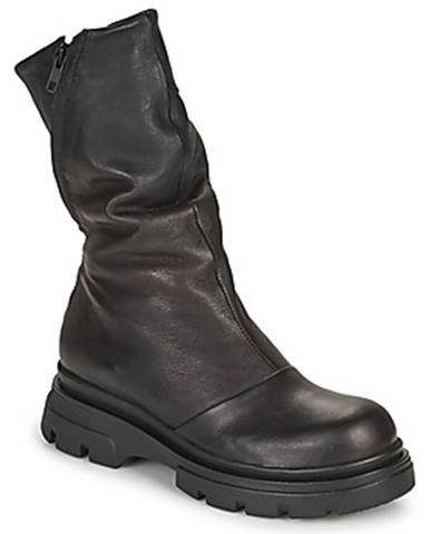 Čierne čižmy Papucei
