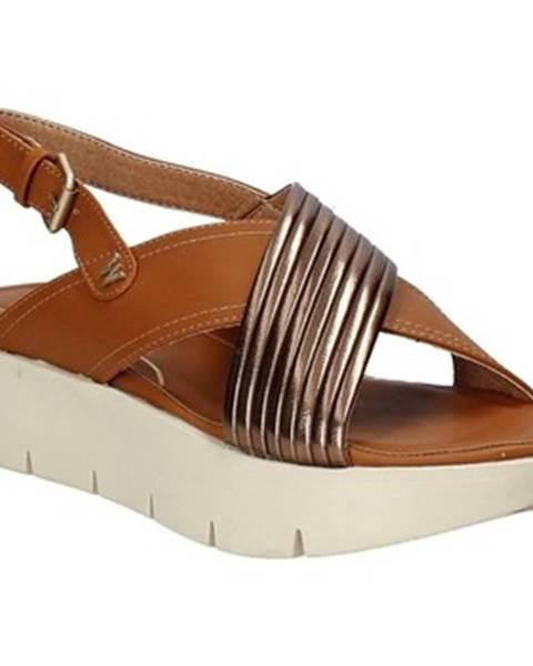 Hnedé sandále Wrangler