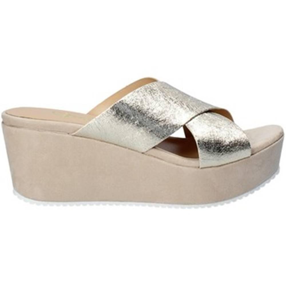 Grace Shoes Šľapky  9833