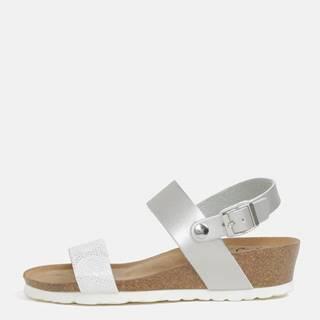 Metalické sandále na kline v striebornej farbe OJJU