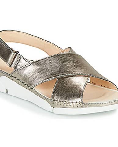 Strieborné sandále Clarks
