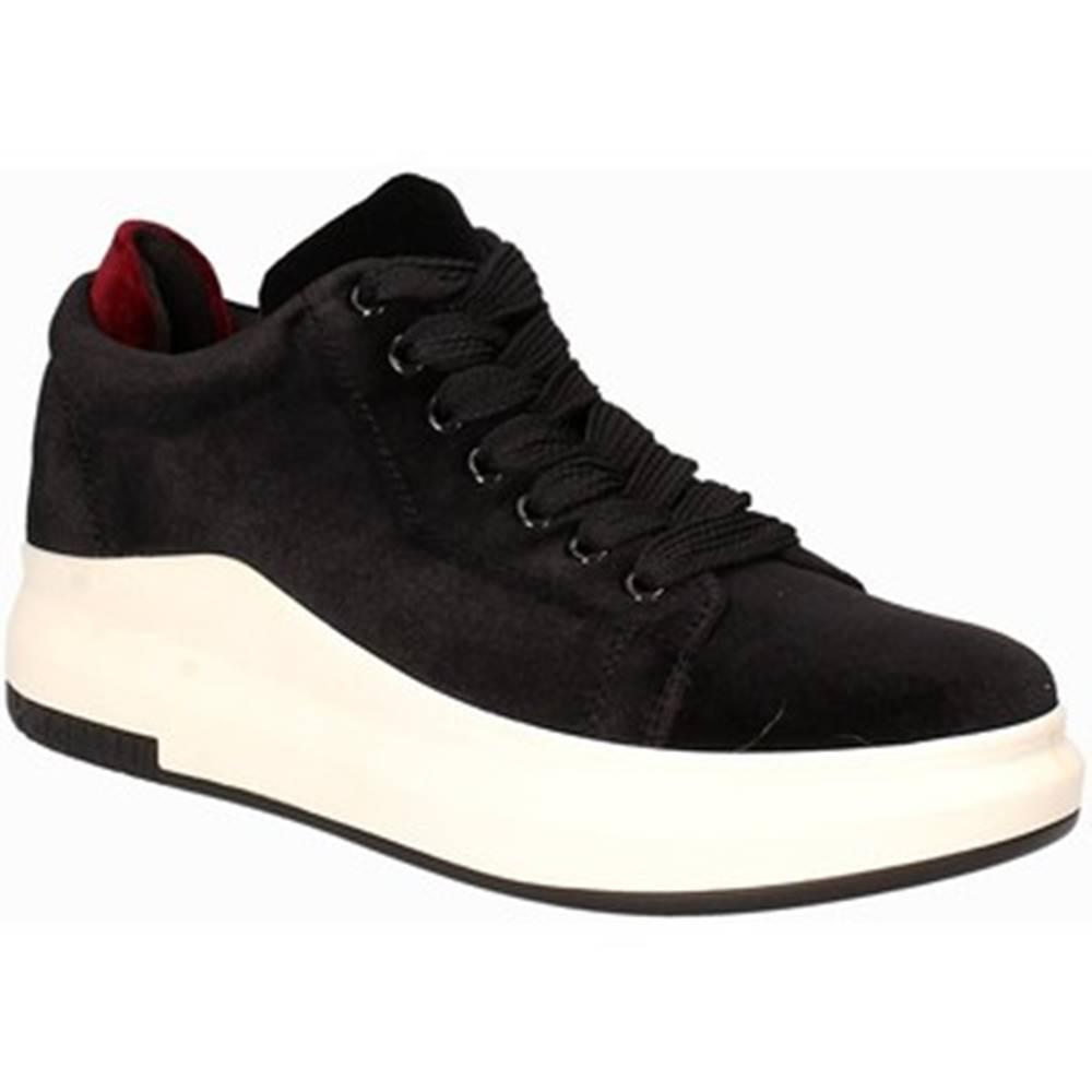 Exé Shoes Nízke tenisky Exé Shoes  F17006882016