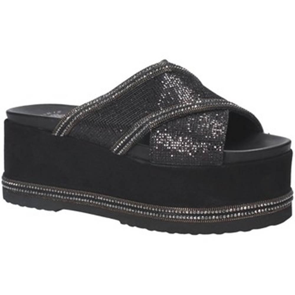 Exé Shoes Šľapky Exé Shoes  G41007137A30