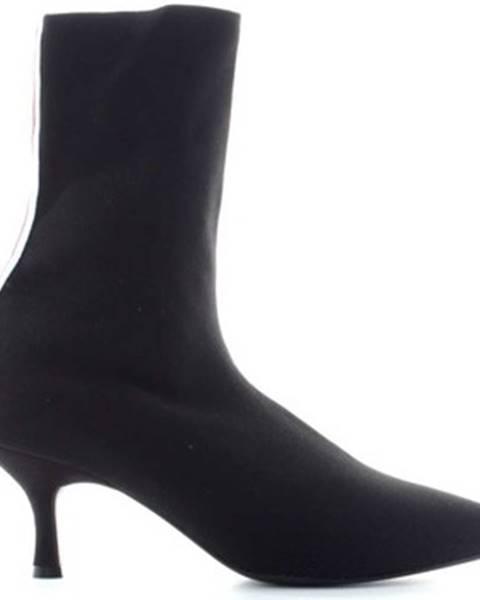Čierne čižmy GaËlle Paris
