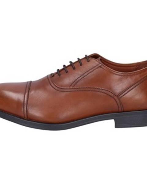 Hnedé topánky Triver Flight