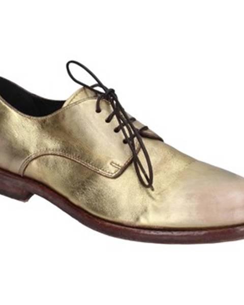 Zlaté topánky Moma