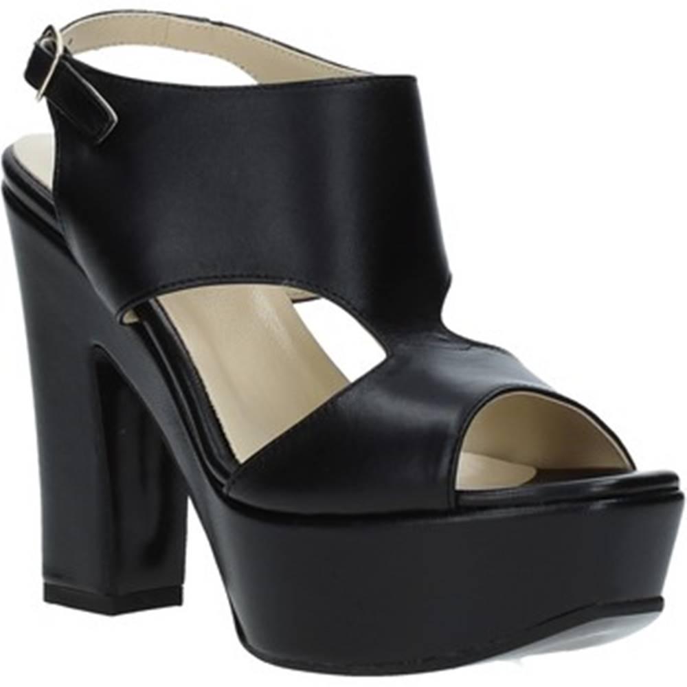 Grace Shoes Sandále Grace Shoes  TQ 102