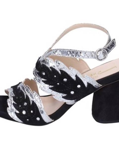 Čierne sandále Jeannot