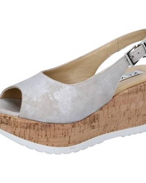 Strieborné sandále Keys
