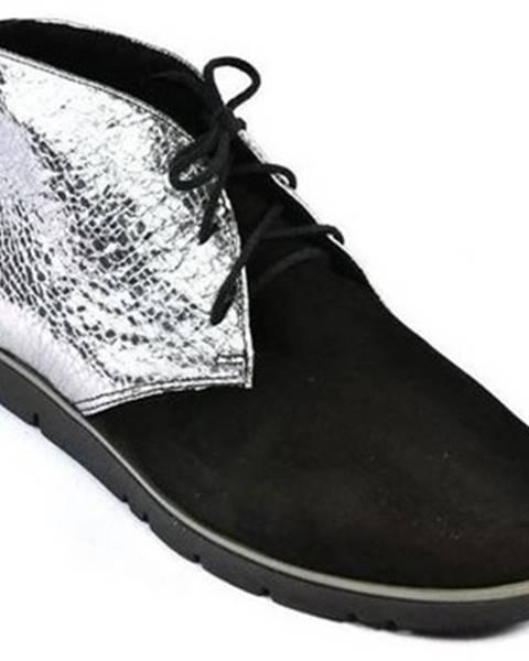 Čierne topánky Carsona