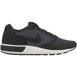 Nízke tenisky Nike  Nightgazer LW