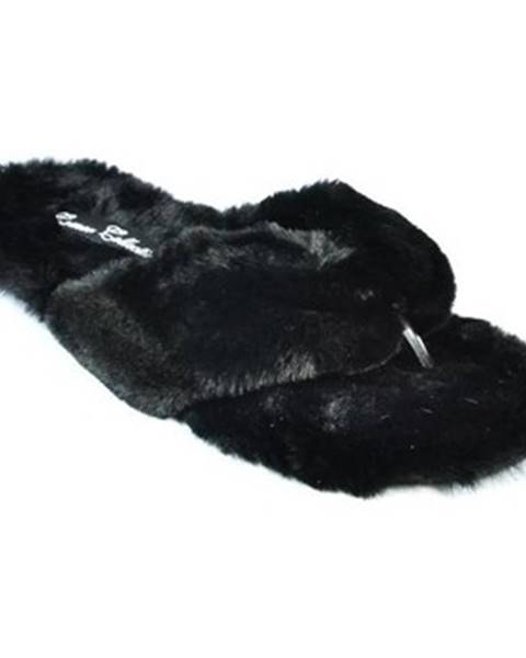 Čierne papuče Comer