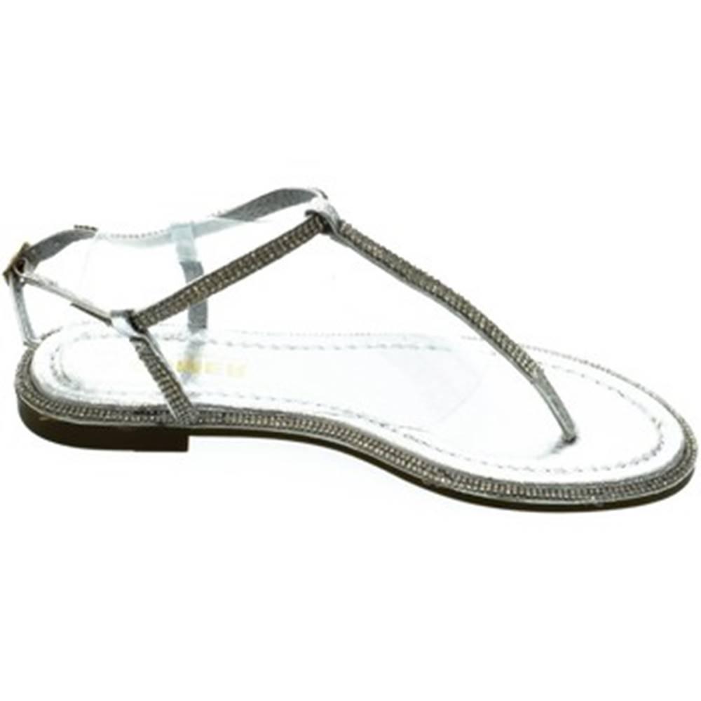 Comer Sandále Comer  Dámske strieborné sandále OLANI