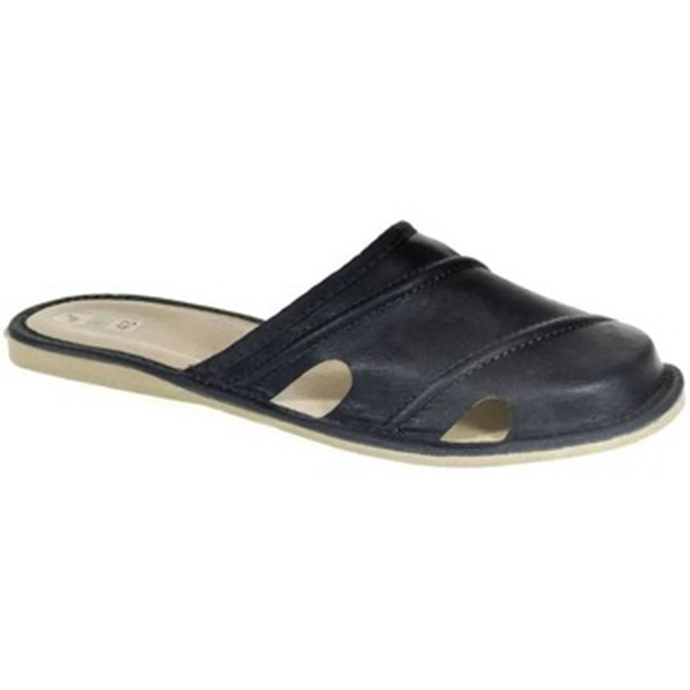 John-C Nazuvky John-C  Pánske kožené tmavo-modré papuče RIK