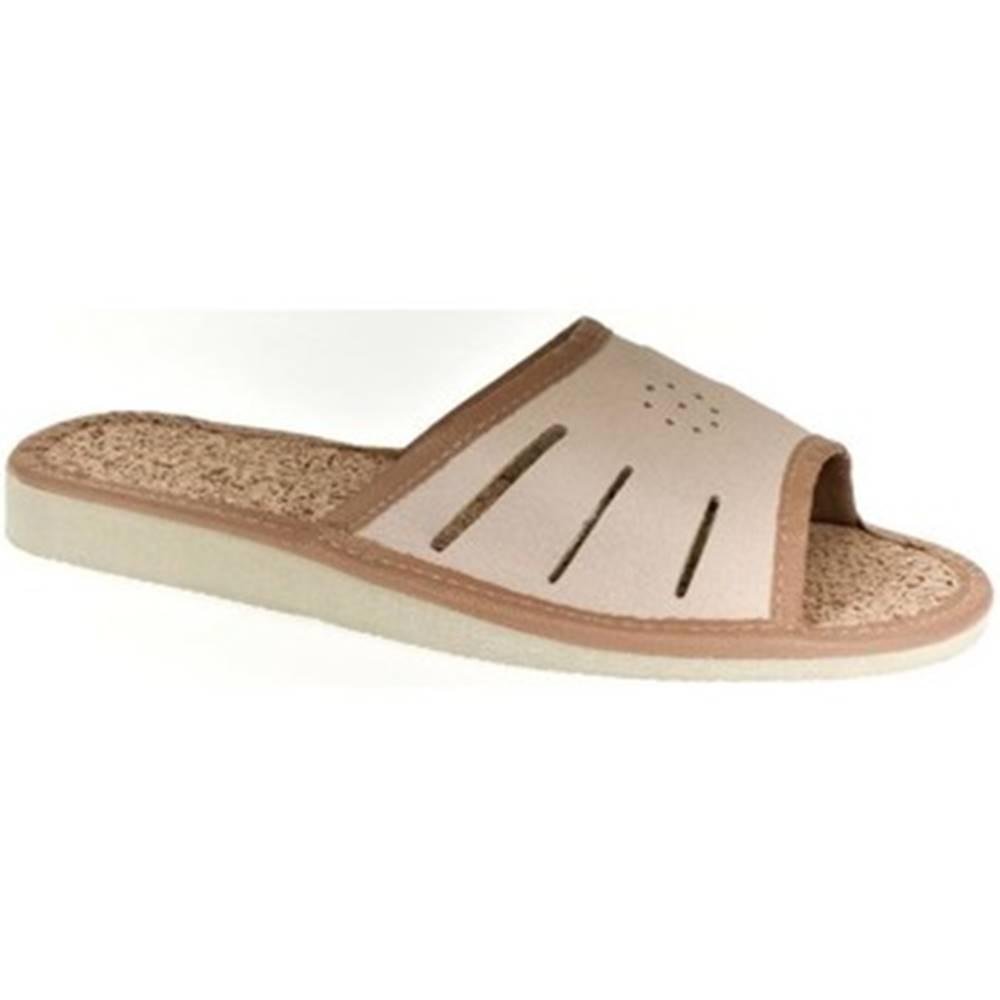 John-C Papuče John-C  Dámske kožené svetlo-hnedé papuče IWA