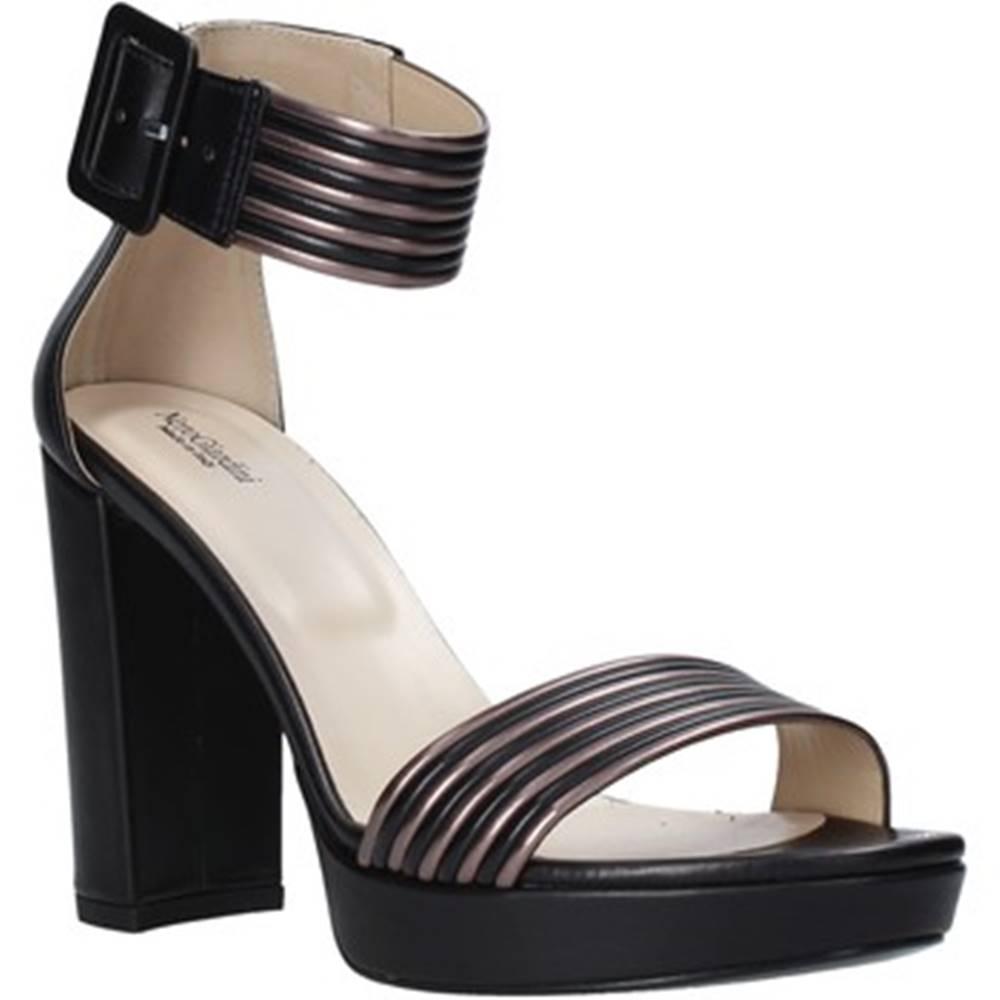 NeroGiardini Sandále NeroGiardini  E012203D