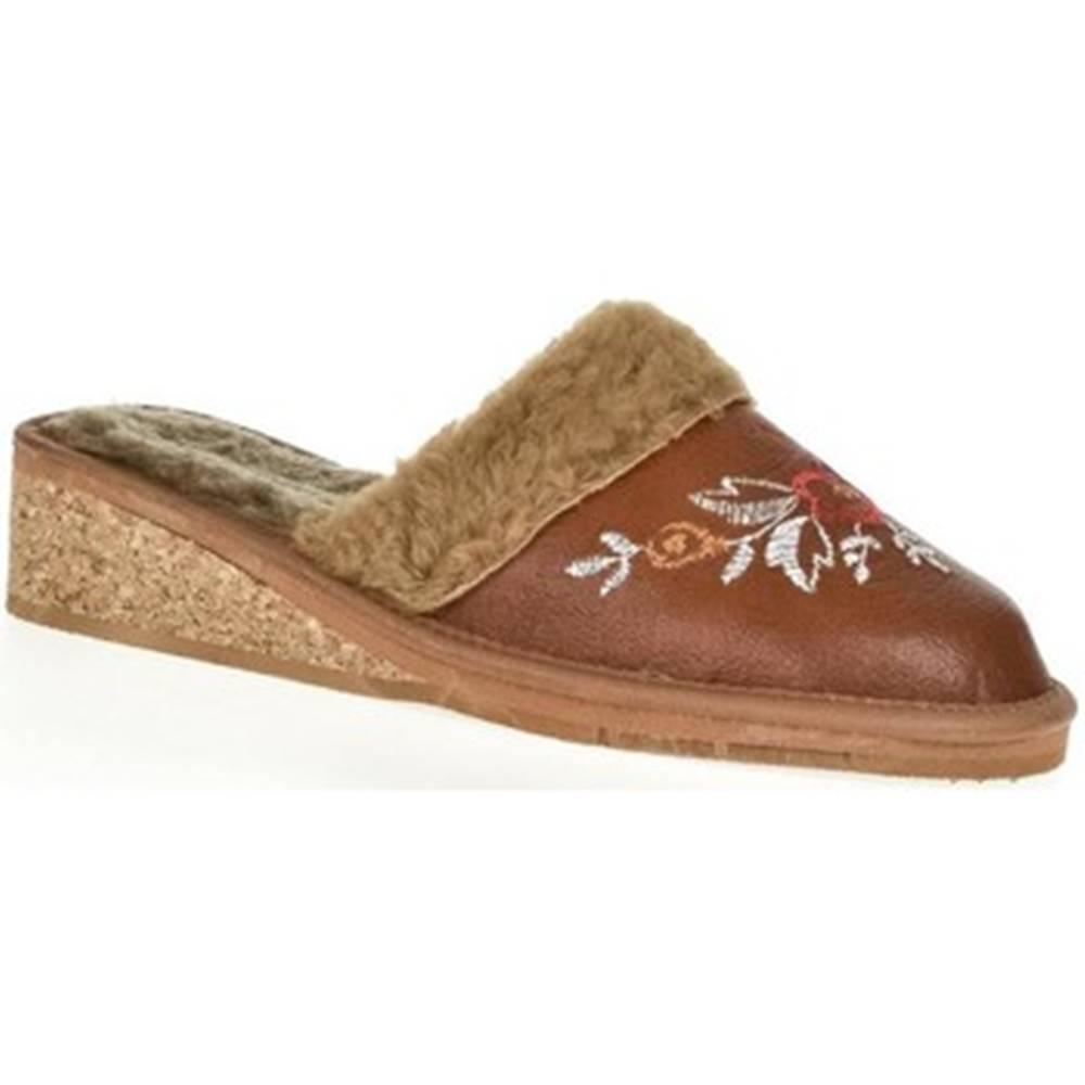 John-C Papuče  Dámske hnedé kožené papuče RAISA