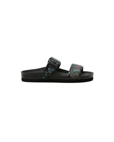 Čierne papuče Desigual