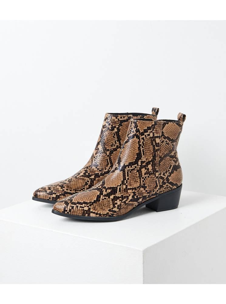 CAMAIEU Hnedé chelsea topánky s hadím vzorom