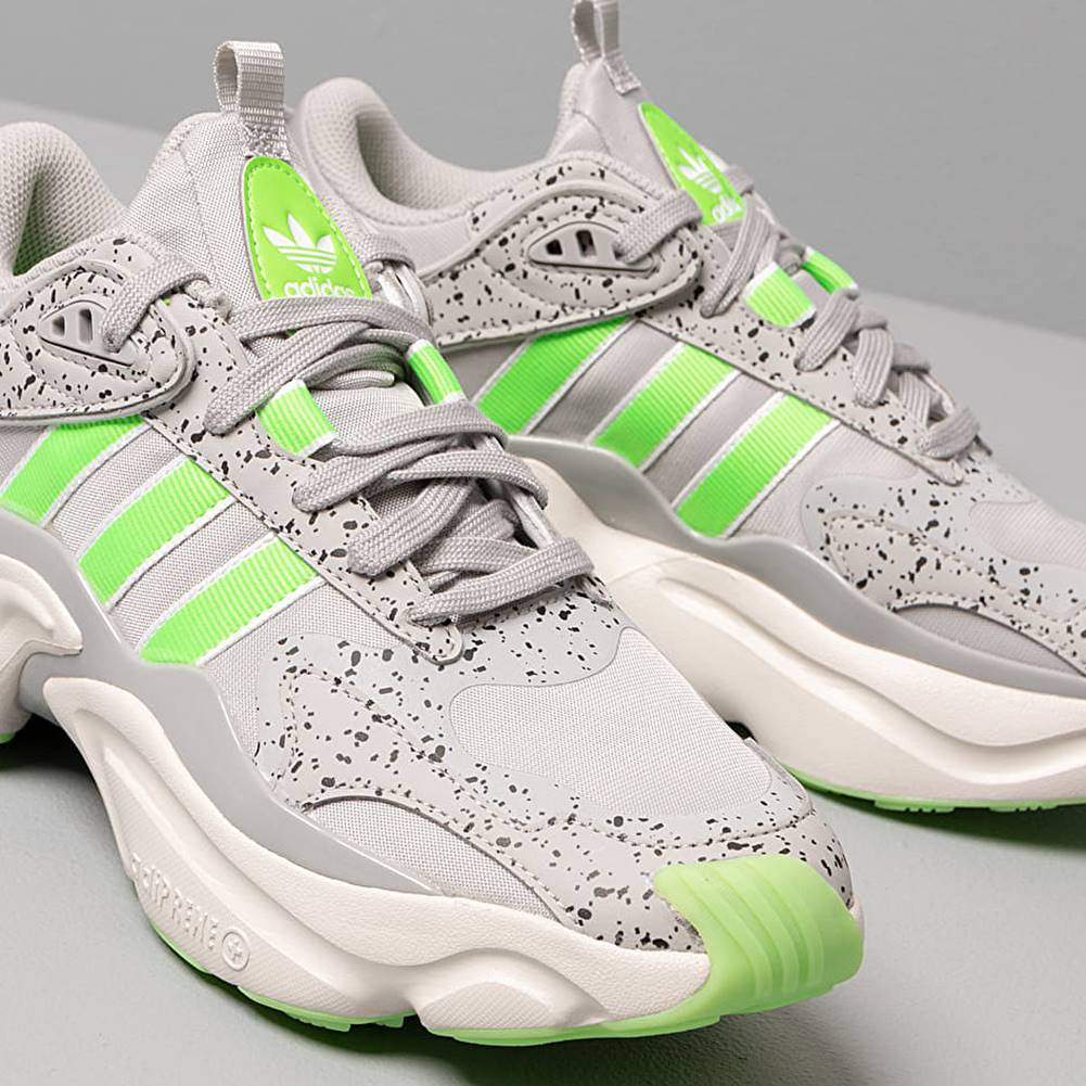 adidas Originals adidas Magmur Runner W Grey Two/ Semi Green/ Raw White