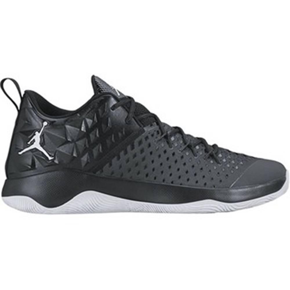 Nike Nízke tenisky Nike  Jordan Extra Fly