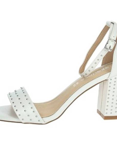 Biele topánky Pregunta