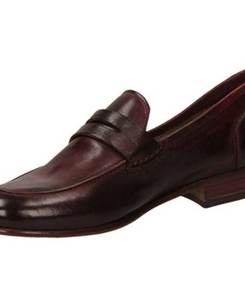 Červené topánky Calpierre