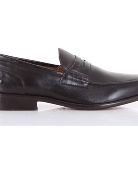 Čierne topánky J. w.dewson