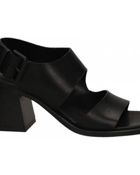 Čierne topánky Vic