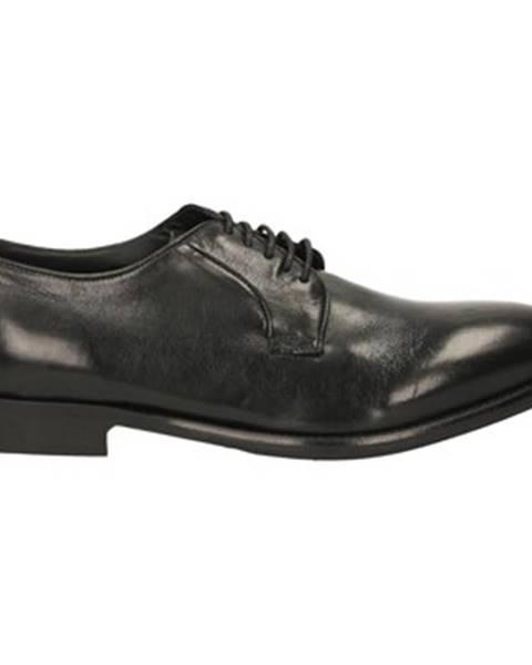 Čierne topánky Eveet