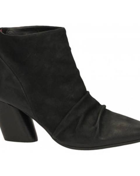 Čierne topánky Halmanera