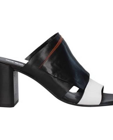 Čierne topánky Progetto