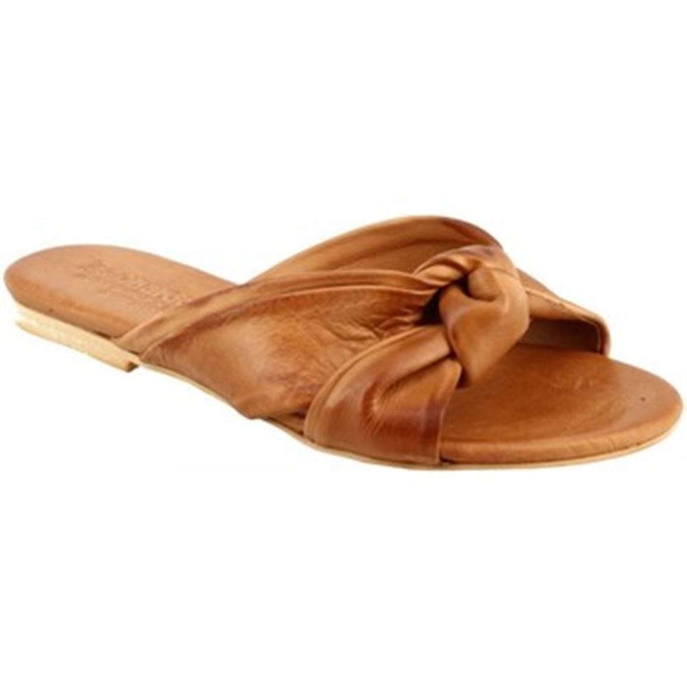 Leonardo Shoes Sandále Leonardo Shoes  PC139 CAPRA CUOIO_