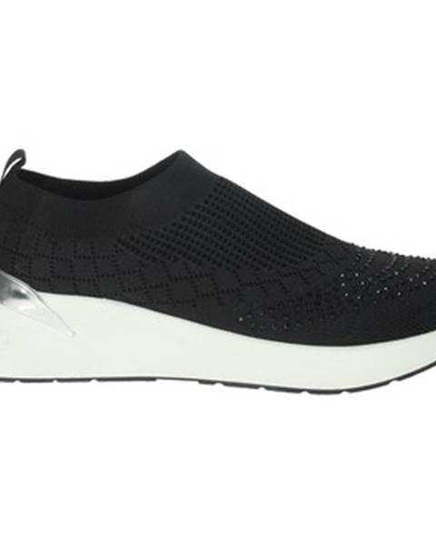 Čierne topánky Pregunta
