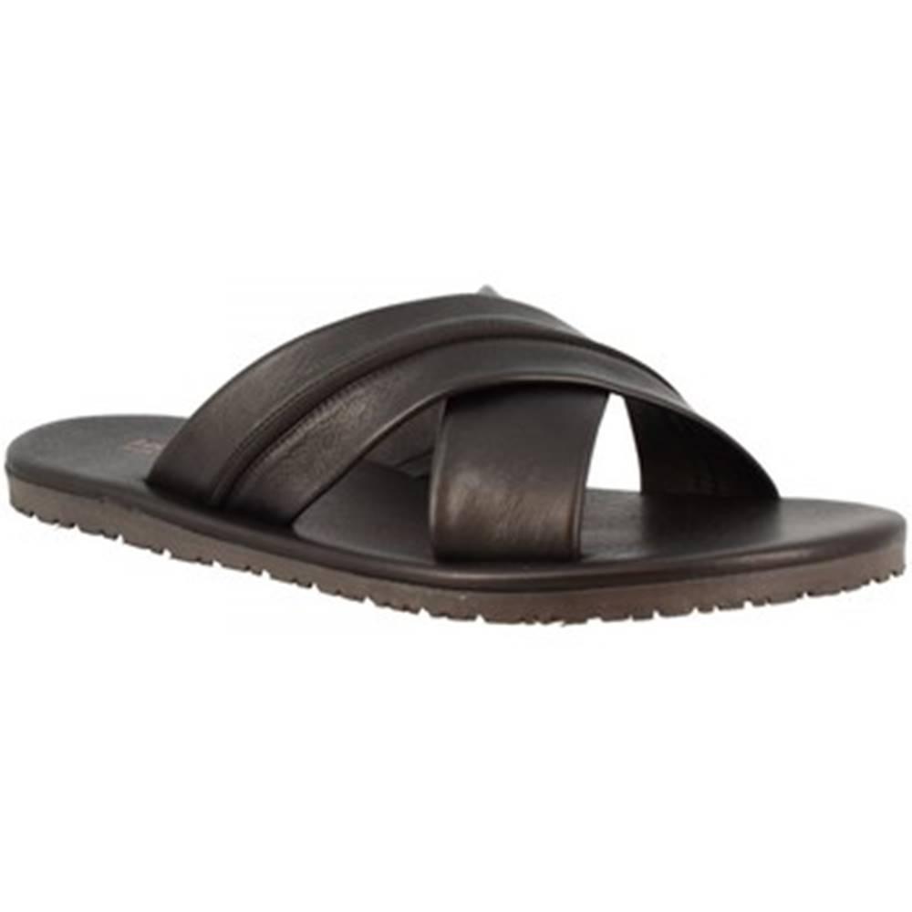 Leonardo Shoes Šľapky Leonardo Shoes  M6160 VITELLO NERO