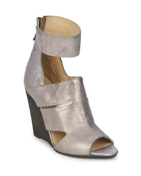 Strieborné sandále Dkode