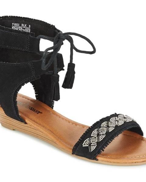 Čierne sandále Minnetonka