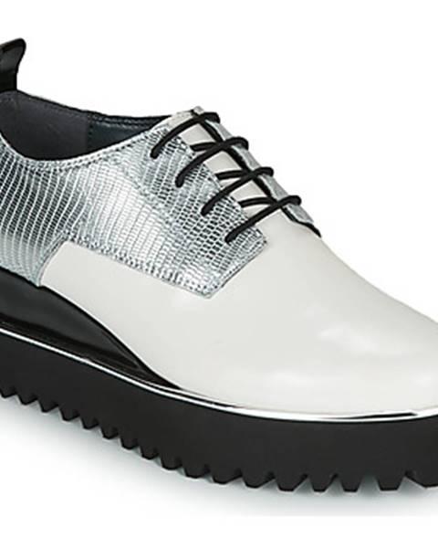 Biele topánky United nude