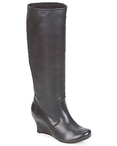 Čierne čižmy Vialis