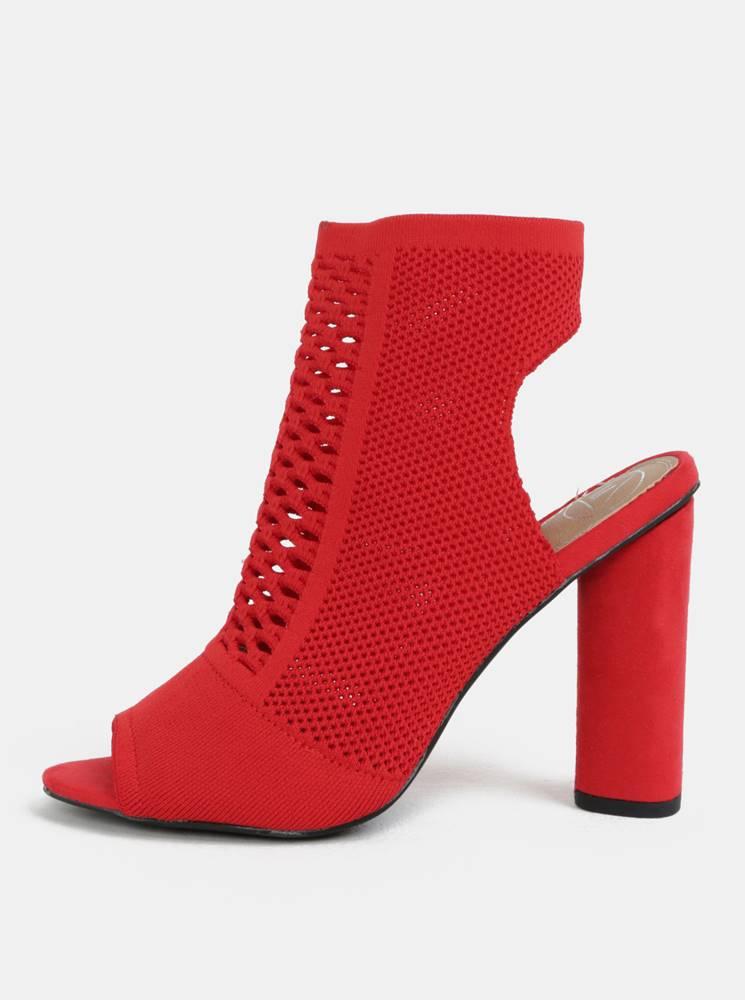 Červené sandálky na širokom...