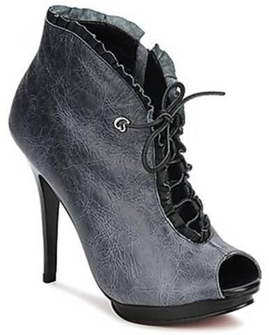 Čierne čižmy Carmen Steffens
