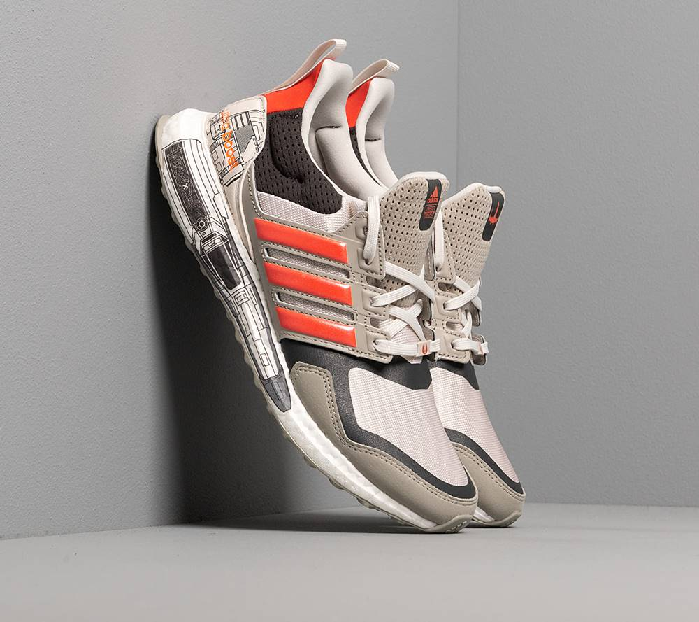 adidas Performance adidas x Star Wars UltraBOOST S&L Sesame/ Active Orange/ Carbon